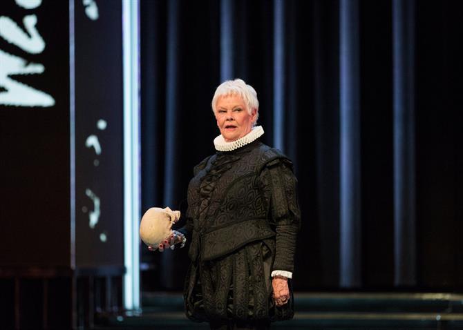 Judi Dench en una escena de Hamlet